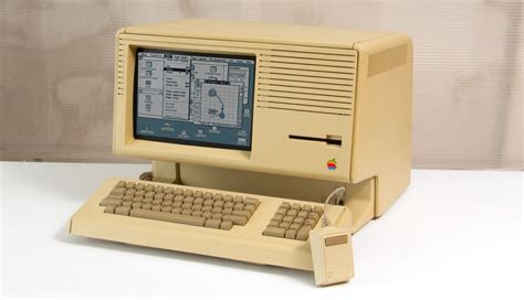 Why Are 2700 Apple Lisa Computers Buried In A Landfill?