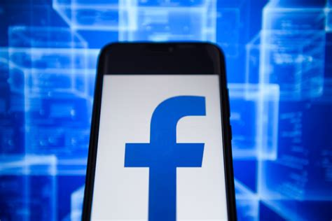 Facebook VPN that snoops on users is pulled from Android
