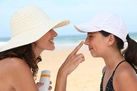 Sunning it with your kids… without tanning – SheKnows